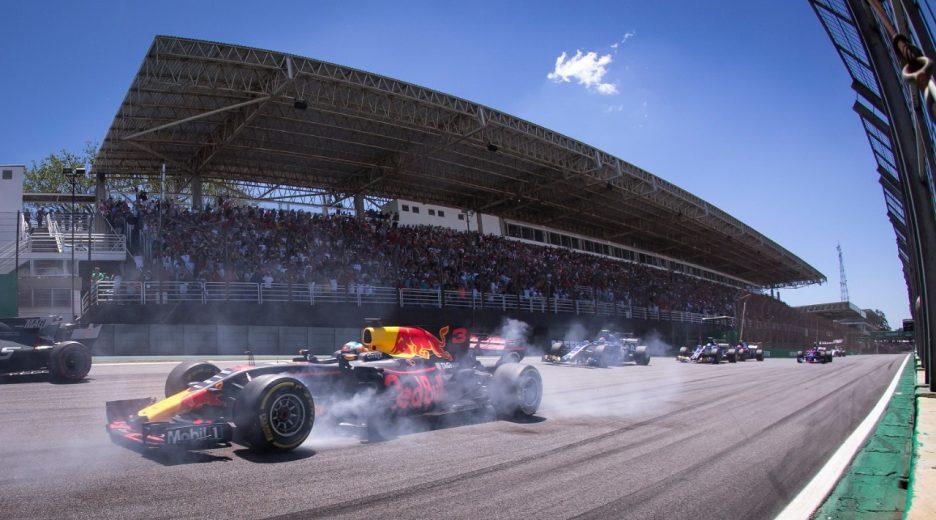 Fórmula 1 divulga calendário de 2019; GP do Brasil será no dia 17 de novembro
