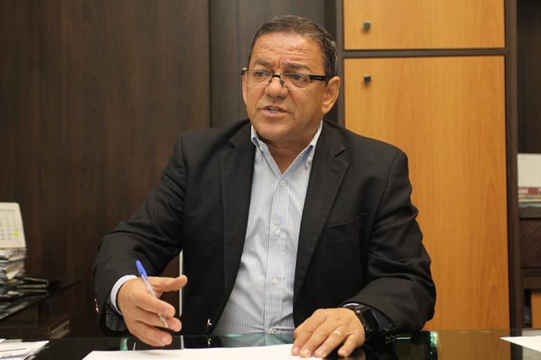 Moacir Silva justifica  desistência e anuncia apoio a Ratinho JR