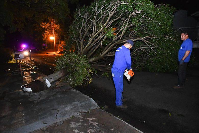 Chuva destelhou parcialmente cerca de 20 casas