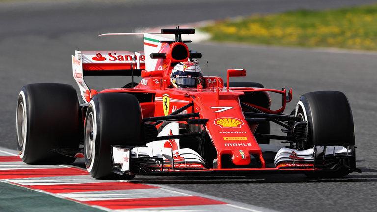 Raikkonen supera Vettel e Hamilton, bate recorde e larga na pole na Itália