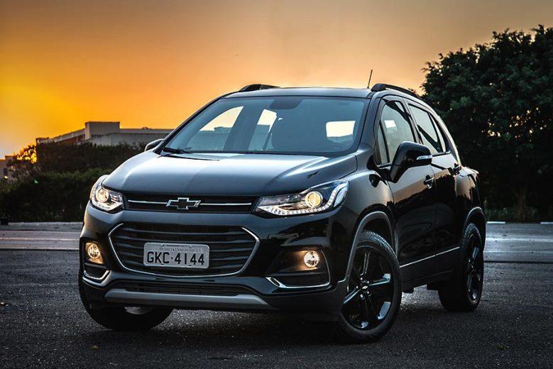 Chevrolet Tracker Midnight aposta em um visual marcante