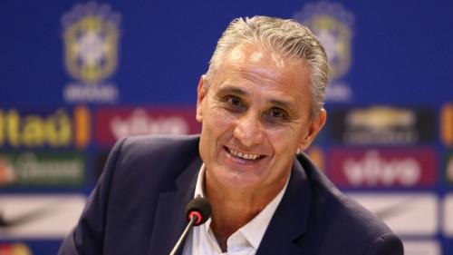 Tite esboça titulares com Fabinho e dez jogadores remanescentes da Copa
