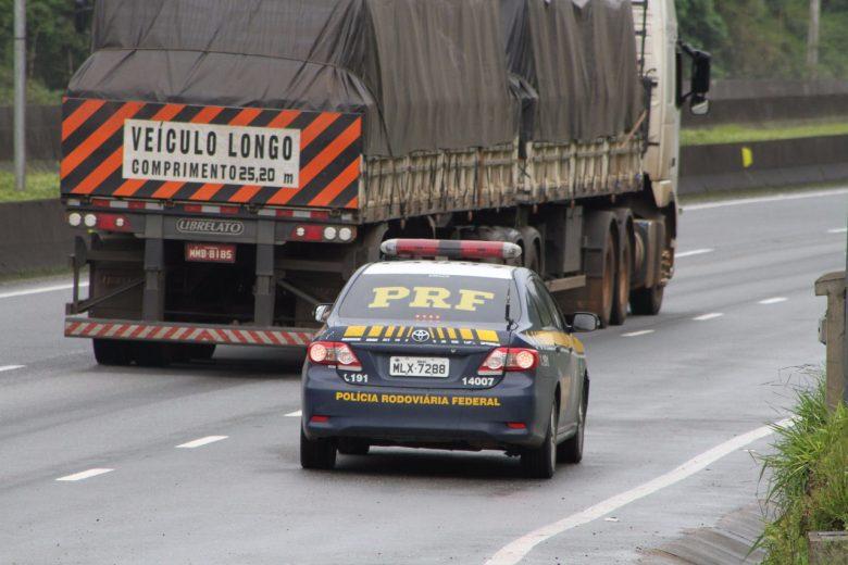 PRF registra oito mortes e 9 mil carros acima da velocidade o feriado