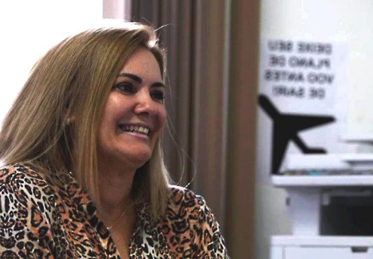 Brasileiro que abrigou ex-mulher de Bolsonaro diz não entender apoio ao candidato