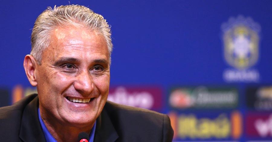 Tite deixa Douglas Costa fora da seleção por indisciplina