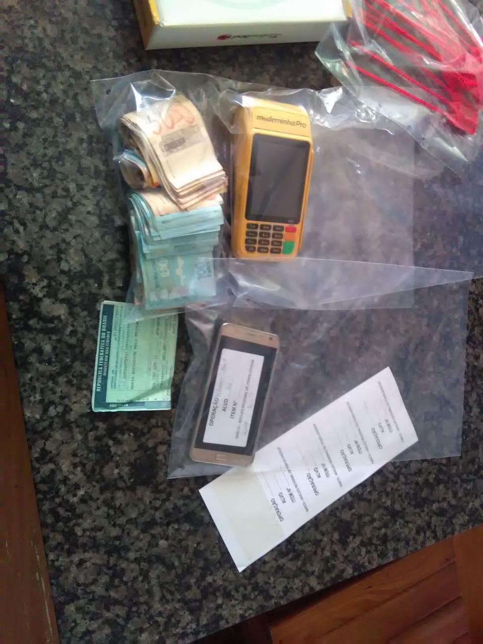 Gaeco apreende dinheiro, caça-níqueis e balanços contábeis em operação contra jogos de azar
