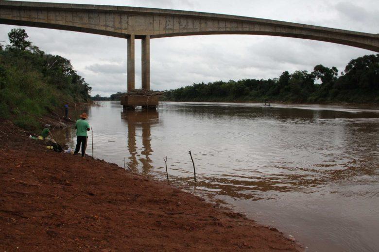 Proibição de pesca na Bacia do Rio Ivaí é antecipada pelo IAP