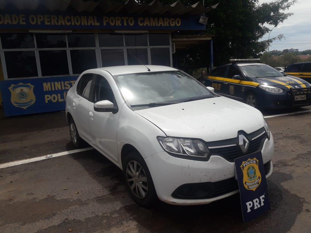 PRF recuperada em Alto Paraíso carro roubado em Curitiba