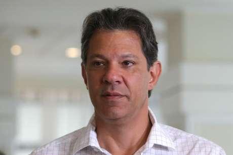 Haddad se reúne com Joaquim Barbosa em busca de apoio