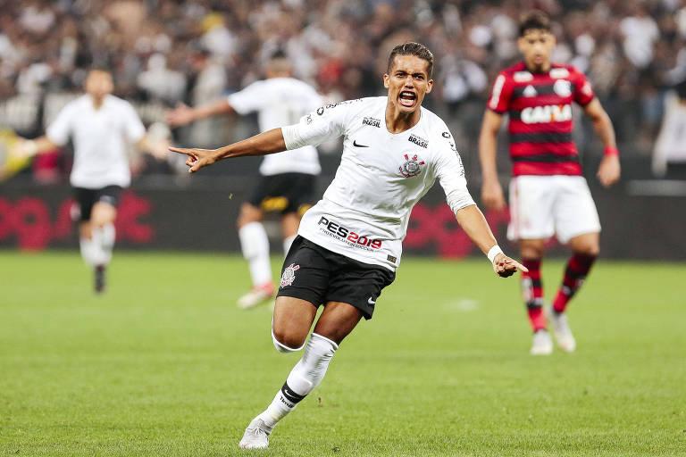 Corinthians pega o Vitória para se afastar do risco de rebaixamento