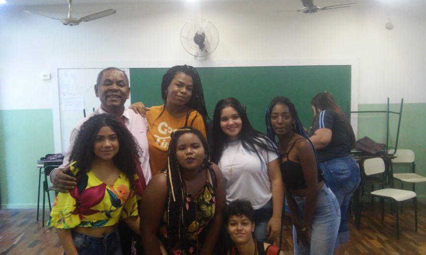 Mais de mil alunos participam da celebração ao Dia da Consciência Negra