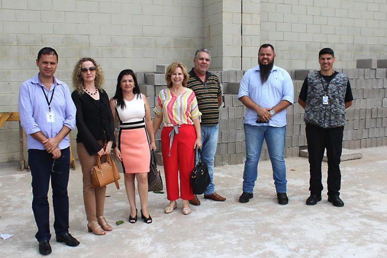 Mão de obra de presos da PECO ajuda eles e a prefeitura