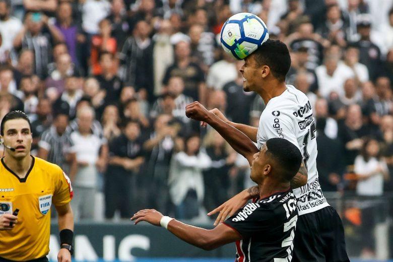 Thiaguinho luta por vaga de titular no Corinthians