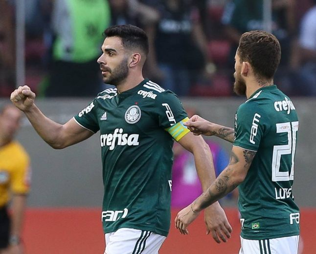 Palmeiras busca fechar um turno de invencibilidade e se aproximar do título