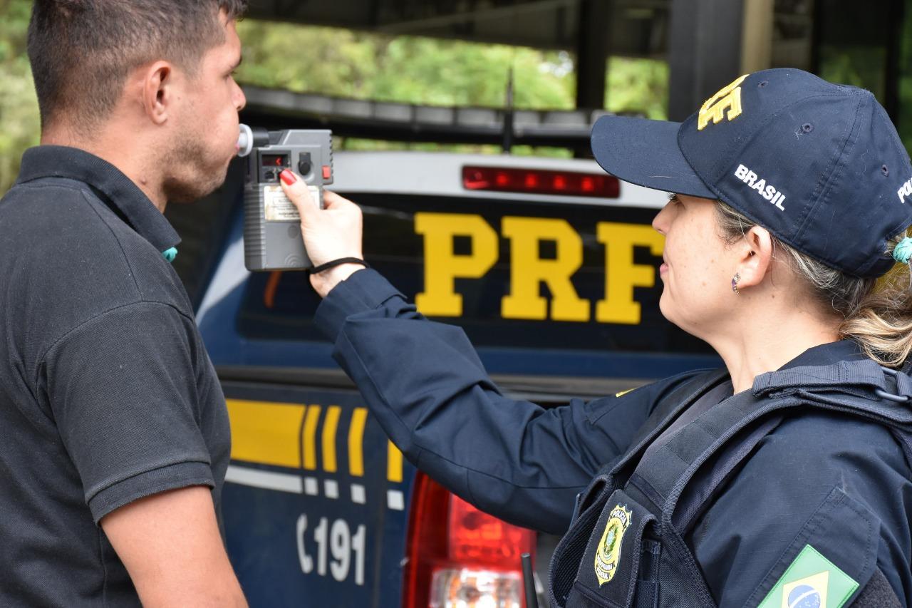 FERIADO DE NATAL Um condutor bêbado é flagrado a  cada 44 minutos nas rodovias do PR