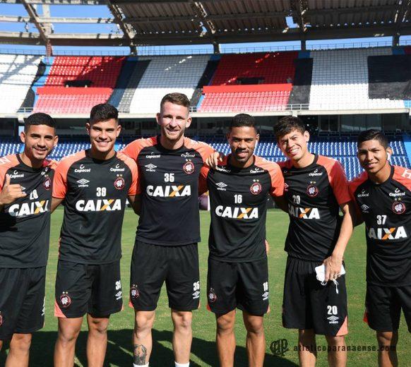 Atlético-PR inicia decisão contra o Junior Barranquilla