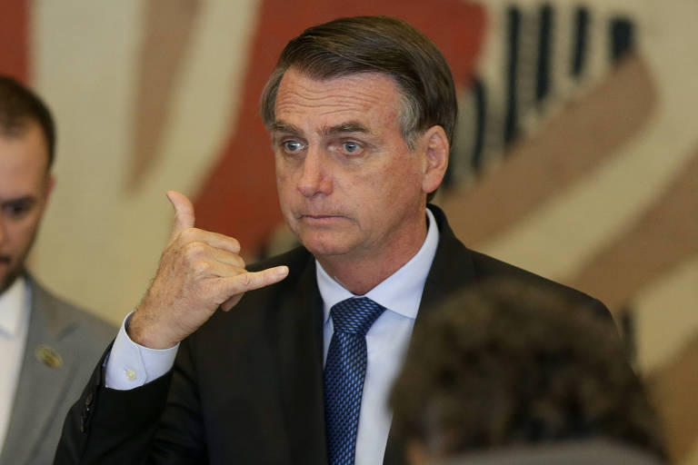 Bolsonaro diz que, ao completar 1 mês, governo 'está no caminho certo'