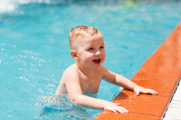 VERÃO E ÁGUA  Confira 8 dicas para seu filho não se afogar em piscinas e rios