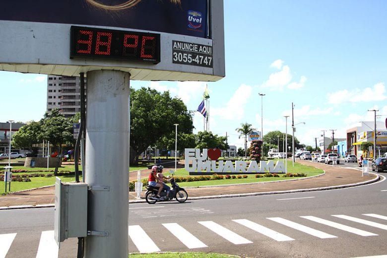 Calor faz umuaramenses passarem mal e especialista dá dicas de saúde