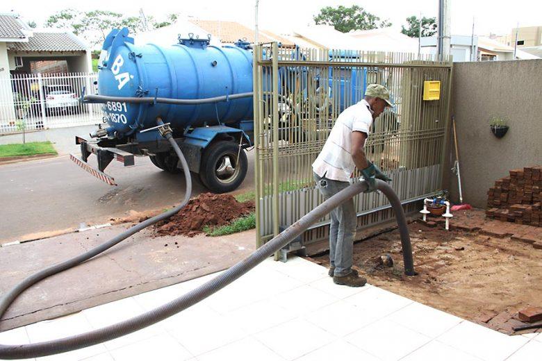 Umuaramenses voltam a questionar  a falta de rede de esgoto em bairros