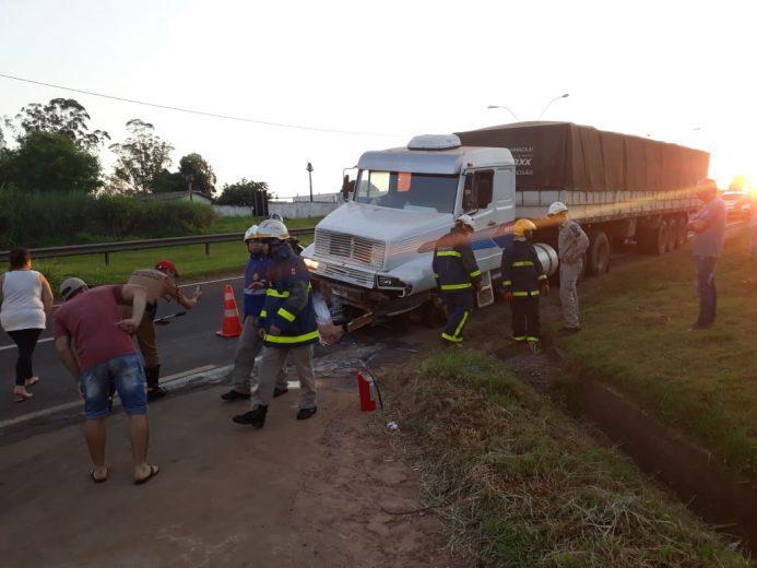 Identificado motoqueiro que morreu atropelado por carreta na PR-323