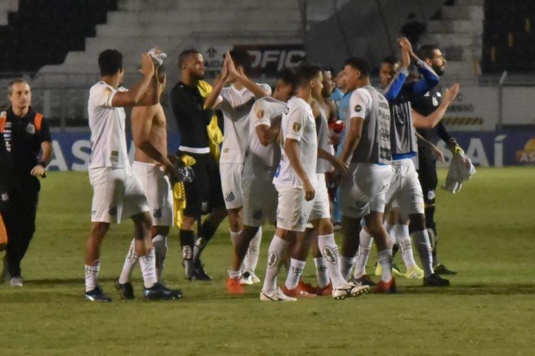 Santos fica no 0 a 0 com o Red Bull Brasil e vai às semifinais do Paulistão