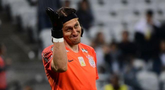 Com Cássio expulso, Corinthians perde para o Ceará, mas avança na Copa do Brasil