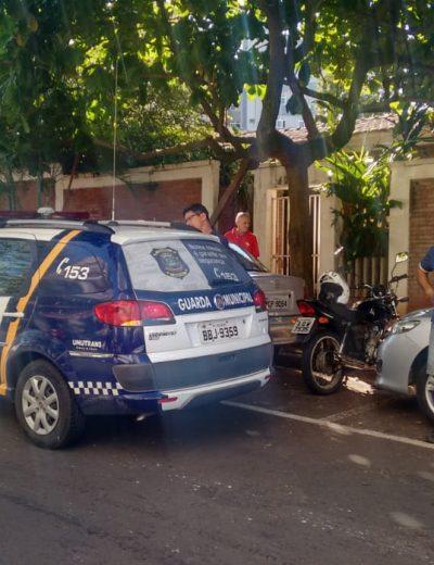 GM flagra moto estacionada irregularmente e descobre que é furtada