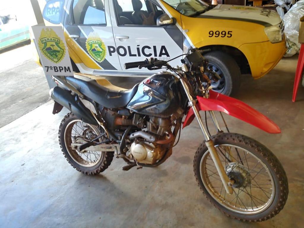 PM recupera moto furtada em Mariluz