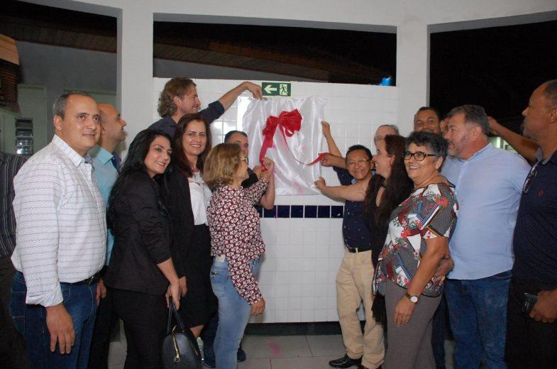 Prefeito de Tuneiras do Oeste inaugura  obras no distrito de Marabá e na sede