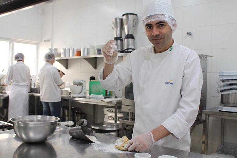 A gastronomia vai muito além do alimento, alerta chef de cozinha
