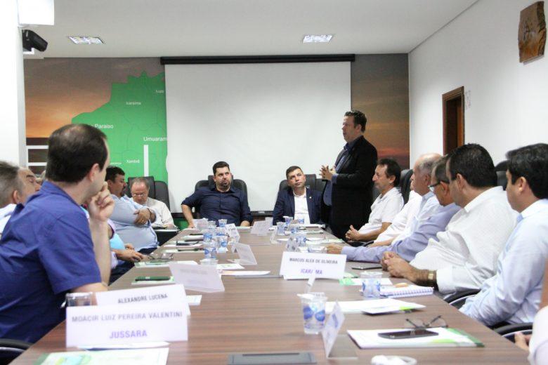 Prefeitos estão se mobilizando a fim de unificar as eleições em 2022