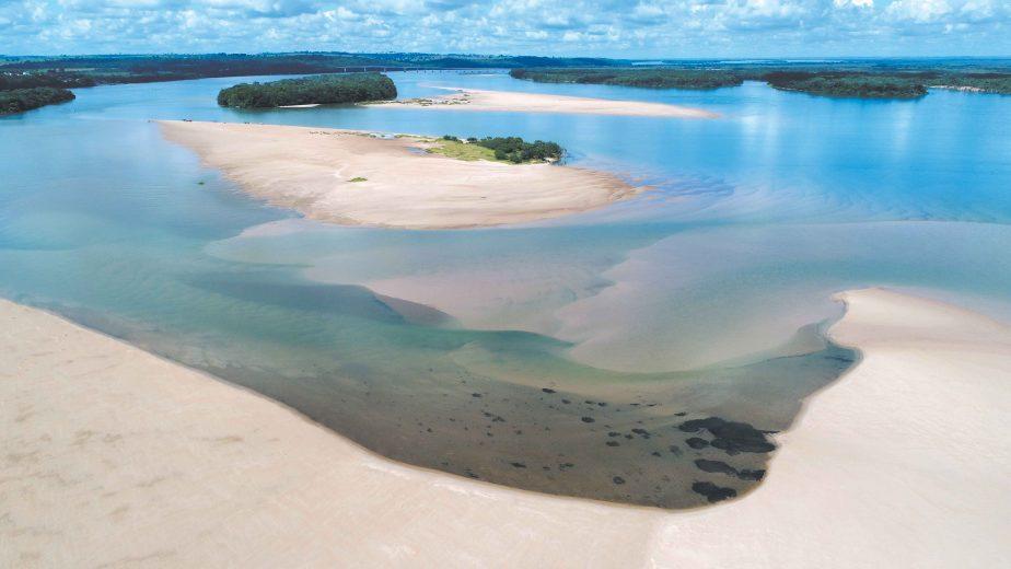 ICMBio autoriza atividades turísticas na prainha de Porto Camargo, no rio Paraná
