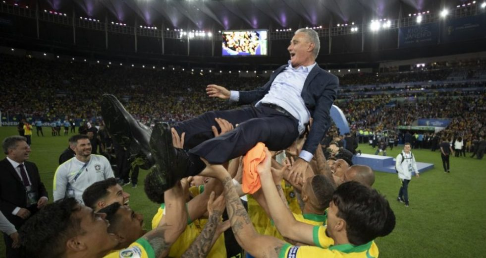 Após título, Tite vai acelerar o processo de renovação da seleção brasileira