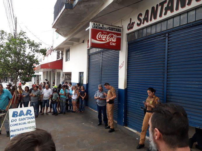 Homem é executado a tiros dentro de lanchonete no centro de Umuarama