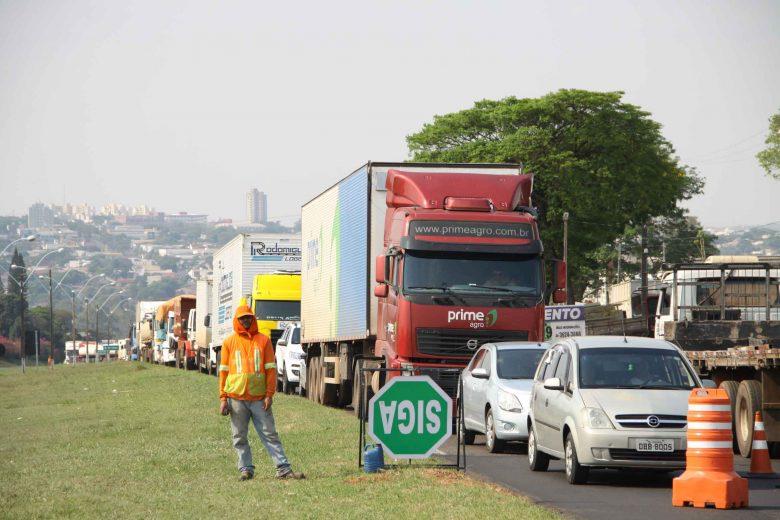 Obras no Trevo do Gauchão provocam engarrafamentos na PR-323