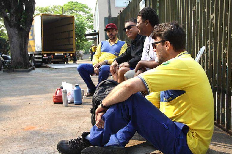 Trabalhadores do Correios de Umuarama aderem a greve nacional