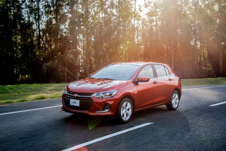 Novo Onix oferece muito mais pelo mesmo preço, garante Chevrolet