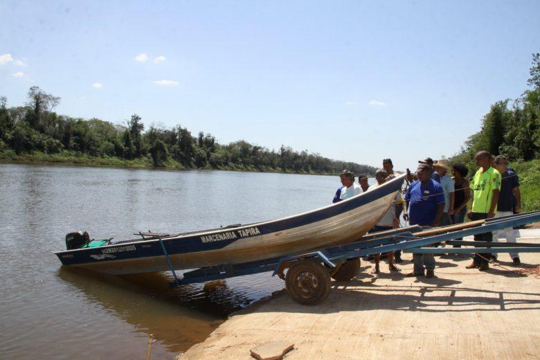 Prefeito Cláudio inaugura rampa que facilita o acesso ao rio Ivaí em Tapira