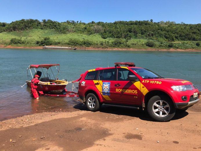 Bombeiros entram no quinto dia de buscas por jovem no rio Paraná