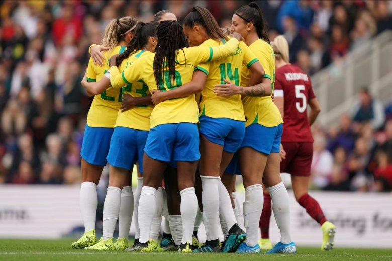 Seleção feminina de futebol enfrente a Polônia nesta terça-feira