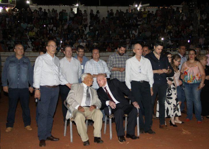 Nelson Barbosa e Luiz Ruaro, primeiros  prefeitos de Alto Piquiri, são homenageados