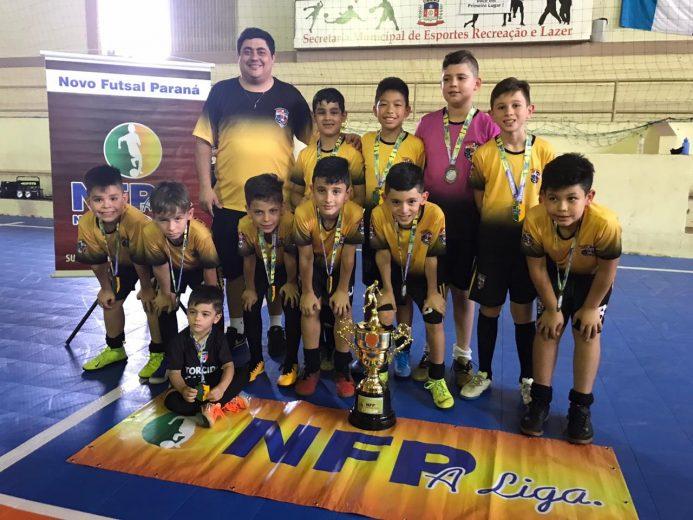 Escola de Futsal Caliari Country Club é terceiro lugar da NFP do Paraná
