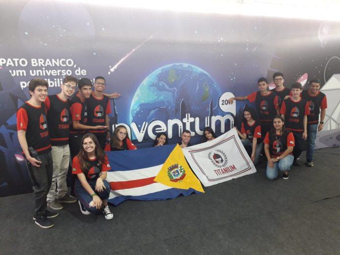 Equipe de robótica de Umuarama disputa super desafio em Pato Branco
