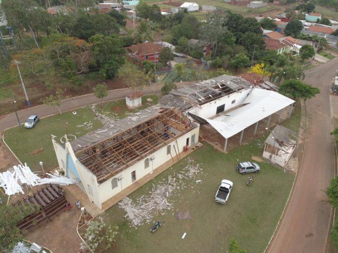 Icaraíma faz mutirão para recuperar estragos do temporal em Porto Camargo