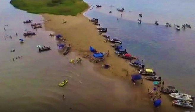 Busca por terceira irmã continua no rio Paraná
