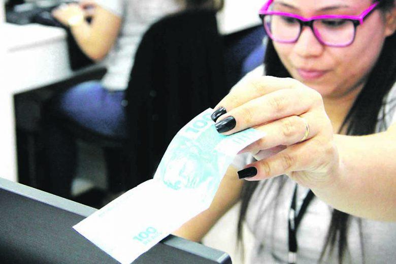 Divida dos consumidores de Umuarama e região chega a R$ 12 milhões