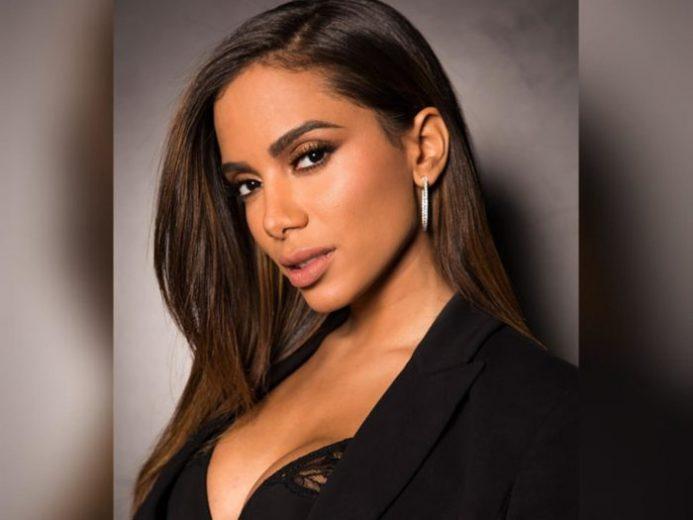 Anitta evitará falar de política em novo programa direto de casa