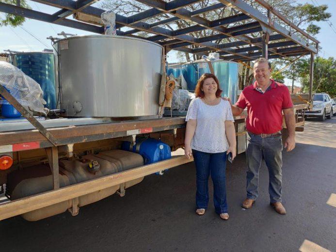 Produtores recebem resfriadores de leite em Esperança Nova
