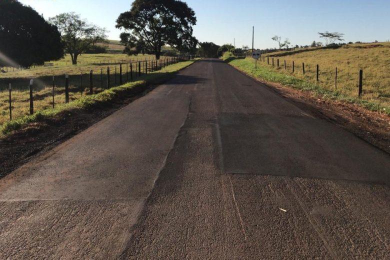 Pavimento recebe melhorias entre Douradina e Maria Helena
